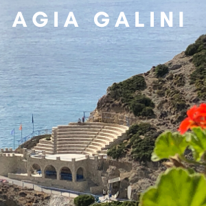 Yoga in dit amfitheater van Agia Galini, op Kreta in Griekenland september 2020